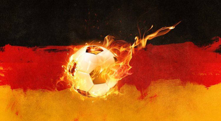Fußball vor deutscher Flagge